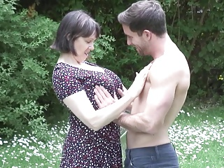 Older NL mamma son outdoor sex