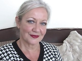 British housewife shows this babe still got what it takes