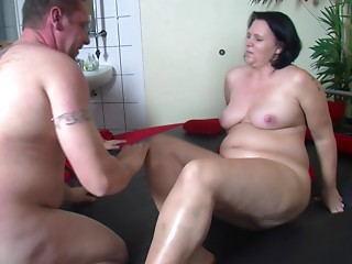 Overweight mature whore gets a dick inside her after a lengthy time