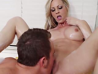 Curvaceous blond porn star Sindy Lange copulates Van Wylde in steamy XXX porn video