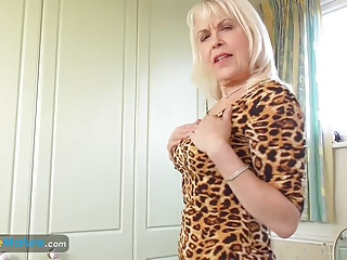 EuropeMaturE Lady Sextasy Showing Off Hawt Body