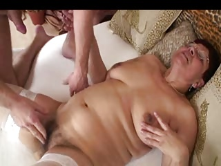 Shaggy Old slut in Glasses and White Nylons Copulates