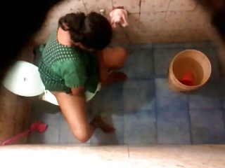 Bangla desi Neighbour aunty bathing & shitter Hidden web camera